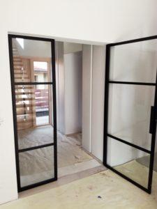 Drzwi szklane ze szprosami