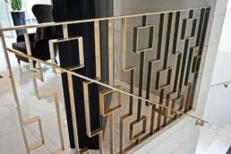 Balustrada nowoczesna w stylu art deco do holu salonu