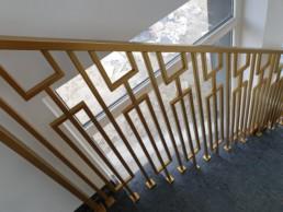 balustrada nowoczesna złota